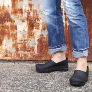 DANSKO Pro Narrow Oiled Leather Clog Size 40